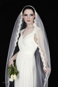 Wedding Veil 'Sophie' - full length bridal veil with narrow trim