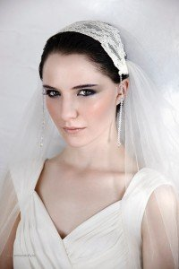 Wedding Veil 'Victoria' - lace cap and crystals